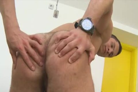 Tattoed knob receives pecker in howdys sexy pooper