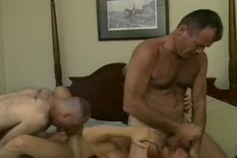 Drew Larson Rides greetingss loverman's Face To orgasm