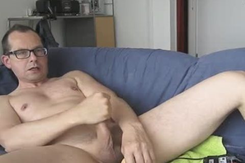 I Had pleasure With My sex tool. The Package Of It Says; Model Jeff Stryker. Could Not Check If It Was actually A Jeff Stryker Look A Like. LOL.