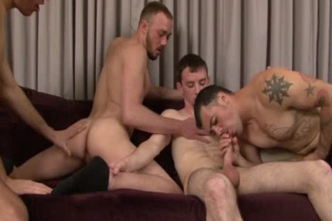 Four handsome muscular males enjoy Blowjobs