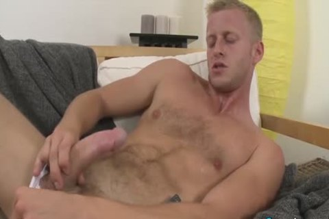dirty Denis Reed Working Out A Messy Load Out Of his balls