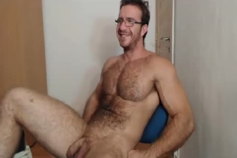 [webcam] Bigdudex A naughty hairy Daddy Shows pooper And