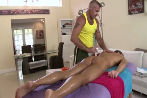 Tyler Saint Massages Dylan Hauser