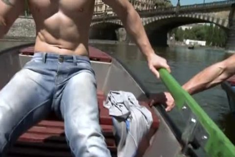 Muscle Daddy Public anal With semen flow