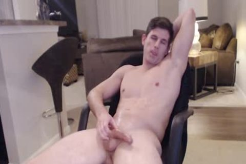 Straight Ripped Hunk likes Fingering His ass