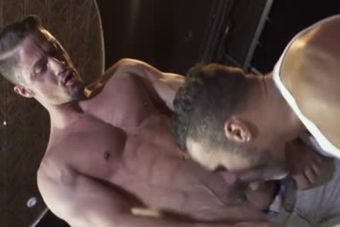 Muscle Bear anal And Facial sperm