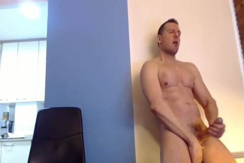 Tom jerking off On web camera