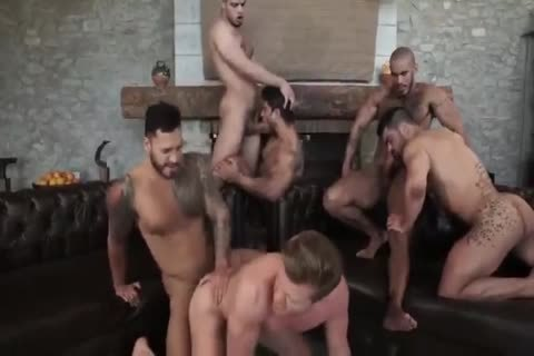 Six Muscle unprotected group-sex