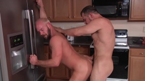 The Straight dude - Mike Tanner & Max Sargent butthole Hump