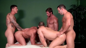 Bubble butts - John Magnum, Connor Maguire ass job
