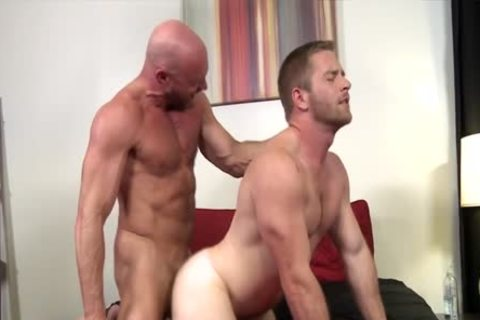 daddy To Perfection – Muscle Daddy Killian Knox slams Scott Riley unprotected