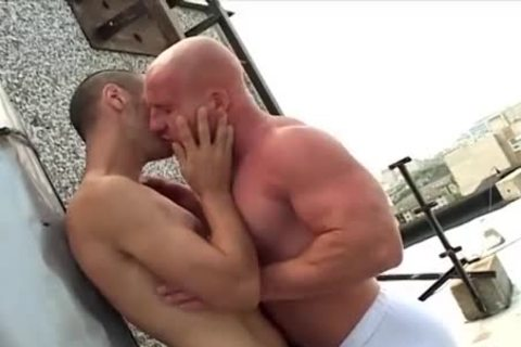 hairless head Muscle guy bonks His Skinny friend