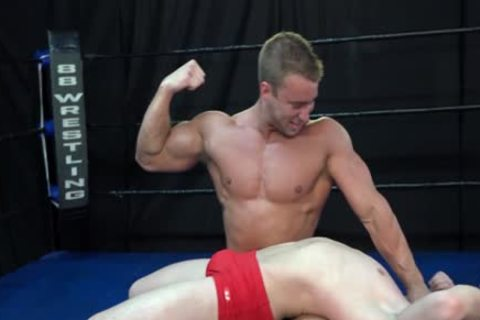 fine Wrestling Match Bodybuilder Vs stud