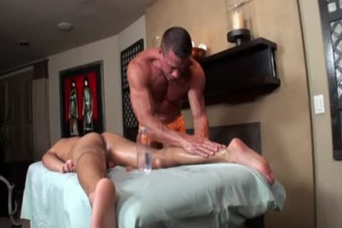 Tyler Saint & Tony Newport - Gentle dick Massage