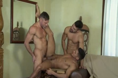 FLIP FLOP threesome WITH butt TO face hole AND double penetration