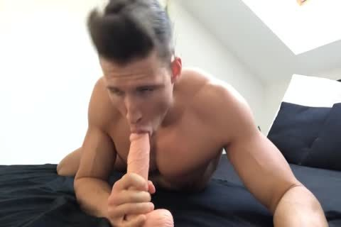 tasty Muscle And His dildo