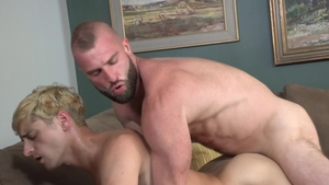 Family Dick: Good fucking among thick young twink Taylor Reign