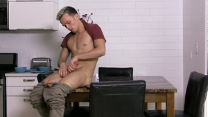 FamilyDick - Logan Cross amongst bubble butt Lance Hart