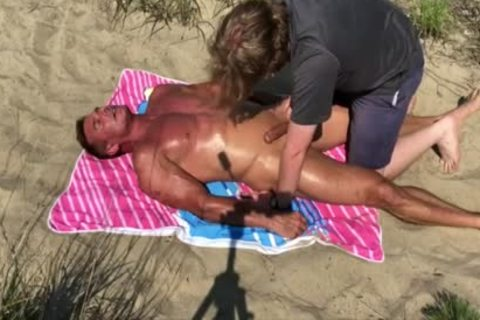 Dilf nailed On The Beach