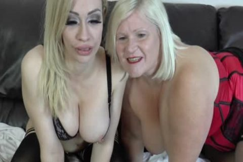 lesbo Gran Eats Out And toys snatch