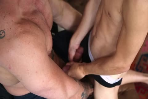 Alpha Male Top Makes Love To A delicious Teenage lad unprotected