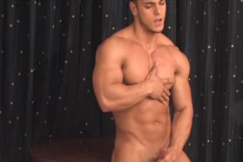 Muscle Hunks - Kevin Conrad