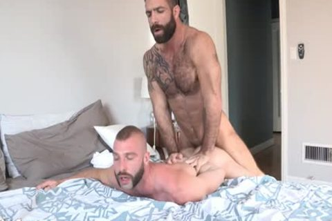 Jake pokes Donnie´s butthole - bare