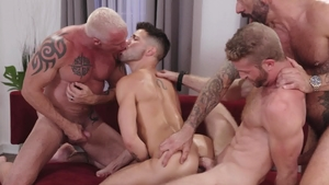 Icon Male: Link Parker with shaved Casey Everett bareback orgy